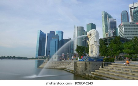 SINGAPORE - CIRCA MAY 2017: Marina bay waterfront with the Merlion Statue and Singapore city skyline during the daytime