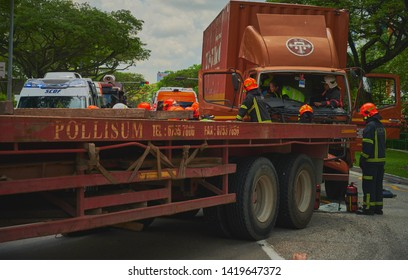 Accident Truck Stock Photos, Images & Photography | Shutterstock