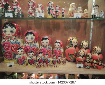 SINGAPORE CITY / SINGAPORE - AUGUST 8, 2012:  Huge Matryoshka Doll Set