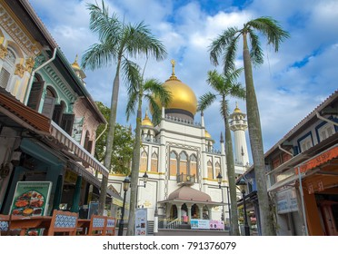 SINGAPORE CITY, SINGAPORE,November 11,2017: street view of Singapore with Masjid Sultan, mosque masjid Sultan at Arab street.