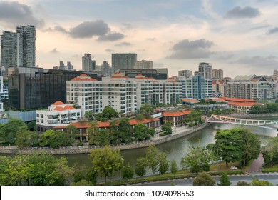 Singapore cityscape along Singapore River at Robertson Quay