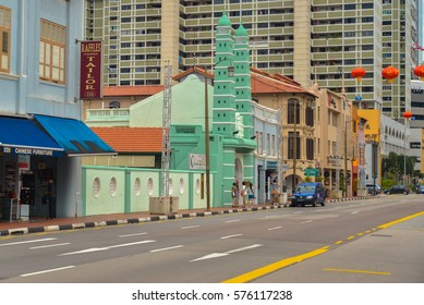 SINGAPORE, DEC 24, 2016: Masjid Jamae Chulia in China town, Singapore