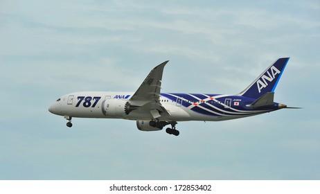 SINGAPORE - DECEMBER 25:  First Boeing 787 (Dreamliner) of All Nippon Airways (ANA) fleet landing at Changi Airport on December 25, 2013 in Singapore