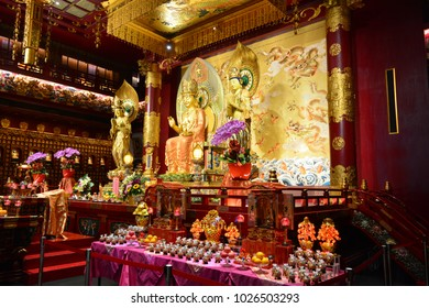 SINGAPORE - FEB 6TH, 2018: Interior of the Buddha Tooth Relic Temple and Museum of Chinatown in Singapore, on Feb 6th, 2018