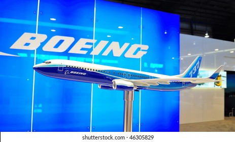 SINGAPORE - FEBRUARY 03: Model of Boeing 737-800 at Singapore Airshow February 03, 2010 in Singapore