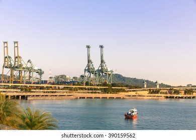 SINGAPORE- February 16, 2015 : Harbor in Singapore,Singapore industrial port on February 16, 2015 in Singapore (landmark of Singapore)