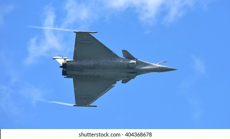 SINGAPORE - FEBRUARY 16:  French Air Force Rafale performing aerobatics at Singapore Airshow February 16, 2016 in Singapore