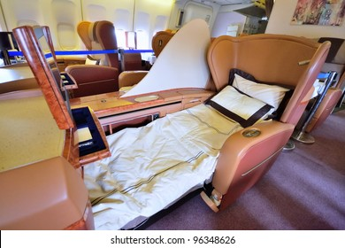 SINGAPORE - FEBRUARY 17: First class cabin bed in Singapore Airlines' (SIA) last Boeing 747-400 aircraft at Singapore Airshow on February 17, 2012 in Singapore