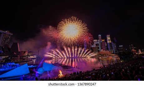 Singapore - January 1 2019: New Year Firework at Marina bay area, Singapore. Singapore Celebrates its new year with beautiful fireworks.