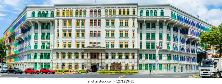 Singapore - January 23 2016: A walking tour of the vibrant Boat Quay and Clarke Quay