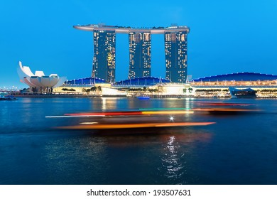 SINGAPORE - JANUARY 24: Marina Bay Sands hotel in the evening on January 24, 2014 in Singapore. One of greatest casinos in world.