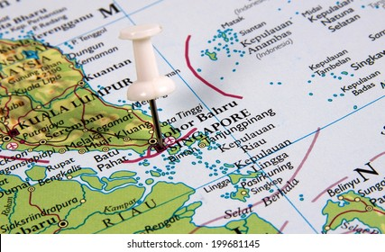 Singapore in the map with pin
