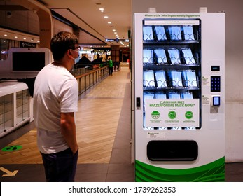 Singapore May2020 Residents to download Razor Pay app (while giving their personal data) in order to get/redeem the free surgical face masks offered by Gaming firm Razer, through vending machines.