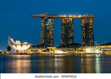 SINGAPORE -November 10, 2015: Night view of the Marina Bay Sands, one of the most popular tourist attraction in Singapore on November 10, 2015