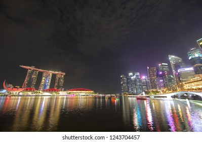 SINGAPORE - NOVEMBER 17, 2018: Singapore night cityscape