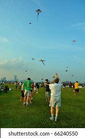 SINGAPORE - NOVEMBER 21: Kite festival, a gathering for kite enthusiast at Marina Barrage November 21, 2010 in Singapore.
