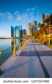 Singapore, November 3 2018 ; Photograper vacation at singapore, night shoot cityscape and daylight