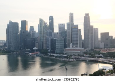 SINGAPORE, NOVEMBER 30 2016: sunset at the financial district