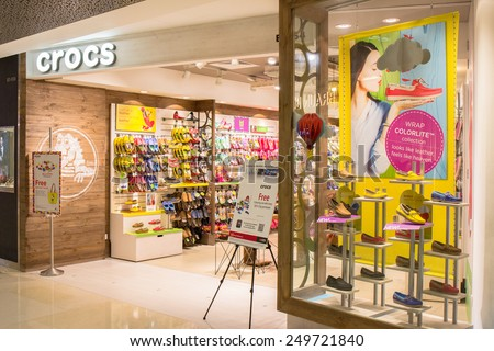 00c4c31f6 SINGAPORE - OCT 19   Crocs Store at ION Orchard shopping mall on October 19