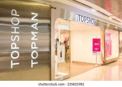 a6e5d3bc68fc1 SINGAPORE - OCT 19   Topshop Topman Store at ION Orchard shopping mall on October  19