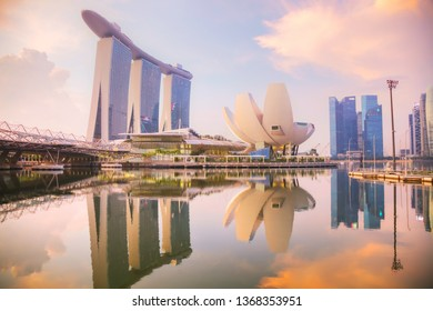 SINGAPORE - OCTOBER 27: Overview of the marina bay with the Marina Bay Sands on October 27, 2018 in Singapore.