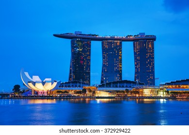 SINGAPORE - OCTOBER 30: Overview of the marina bay with the Marina Bay Sands on October 30, 2015 in Singapore.