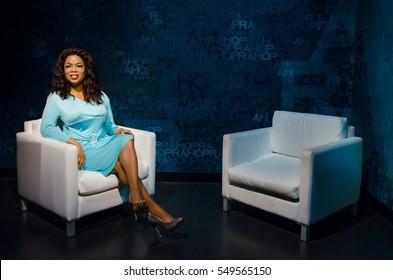 Singapore - September 15,2015 : The wax figure of Oprah Winfrey in Madame Tussauds Singapore.