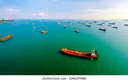 Singapore Ship traffic - anchorage on approach