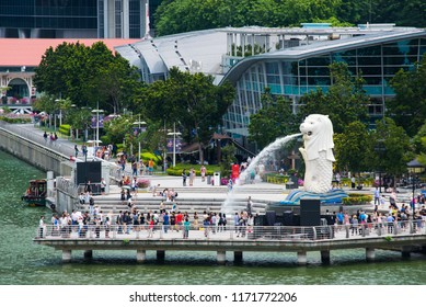 SINGAPORE-AUG.23: The Merlion fountain and Singapore skyline on Aug 23,2017. Merlion is a mythical creature with the head of a lion and the body of a fish,and is seen as a symbol of Singapore.