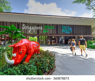 SINGAPORE-JAN 10, 2016: Visitors entering the Singapore Zoo, or Zoological Gardens. There are about 315 species of animal in the 28 hectares (69 acres) zoo, attracts about 1.7 million visitors peryear