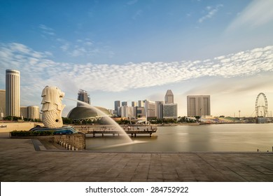 SINGAPORE-JAN 31:The Merlion fountain and Singapore skyline on JAN 31, 2015. Merlion is an imaginary creature with a head of a lion and the body of a fish and is often seen as a symbol of Singapore.