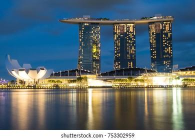 SINGAPORE-Nov 30, 2016: Marina Bay Sands Hotel at dusk