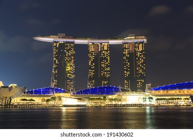 SINGAPORE,SINGAPORE DECEMBER 12, 2014: The 6.3 biliion dollar (US) Marina Bay Sands Hotel dominates the skyline at Marina Bay on Dec. 12, 2014 in Singapore.