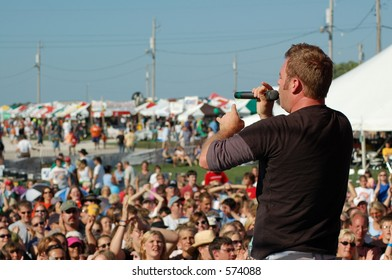 singer and crowd