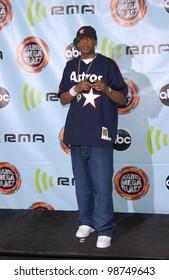 Singer JAY-Z at the 2001 Radio Music Awards at the Aladdin Hotel & Casino, Las Vegas. 26OCT2001.  Paul Smith/Featureflash