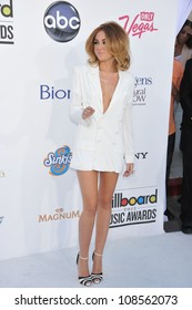 Singer Mylie Cyrus Arrives At The 2012 Billboard Music Awards Held At The Mgm Grand Garden