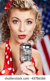 Singer woman, pin-up style