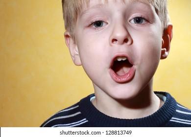 singing blue eye boy