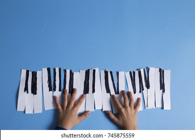 Singing at imaginary paper piano keyboard, preschool funny activity