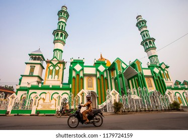 Singkawang Regency, West Kalimantan, Indonesia (09/05/2015) : Nurul Islam Mosque, the great mosque of area, most muslim people of Singkawang come to the mosque to do praying and other religious thing.