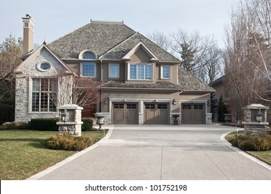 Single family home in suburban area
