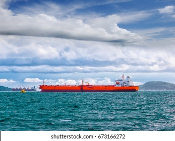 Single Mooring Buoy operation assistance vessel tanker at sea.