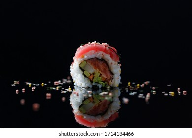 Single Sushi Rolled Reflected - Spicy Tuna: Front View (Tuna topped)