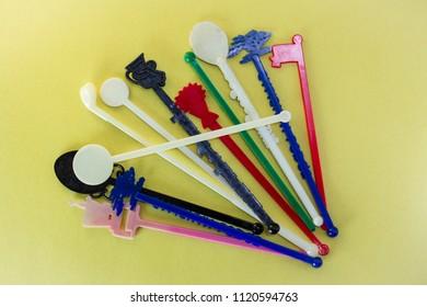 Single use plastic drink swizzle sticks