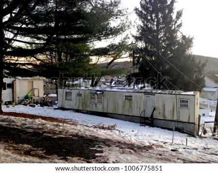 Singlewide Mobile Home Trailer That Poor Stock Photo (Edit Now ... on