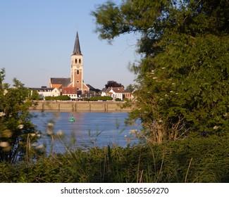 sint-Amands at the river Schelde
