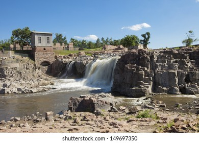 sioux falls along the big sioux river in south dakota
