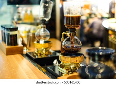 Siphon Coffee Brewing for hot espresso