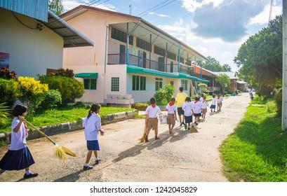 SISAKET THAILAND, SEPTEMBER 20,2018: Thai students at Ban samo School walking go to the classroom. Sisaket Province, Thailand Septemberl 20, 2018