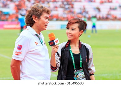 SISAKET THAILAND-JUNE 21: Nutiada Korsuwan of True Sport reports before the game of Thai Premier League between Sisaket FC and Royal Thai Navy FC at Sri Nakhon Lamduan Stadium on June 21,2015,Thailand